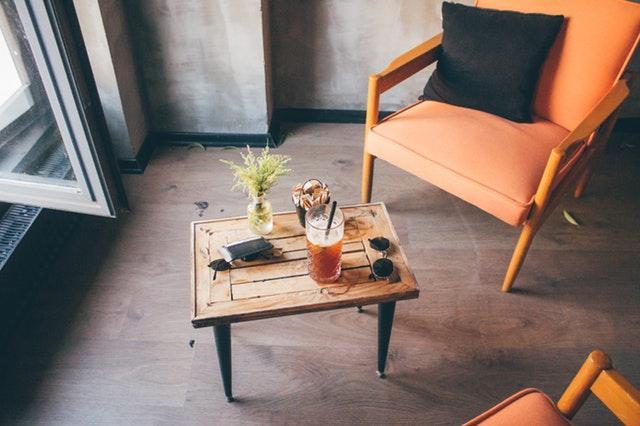 Köp möbler på second hand